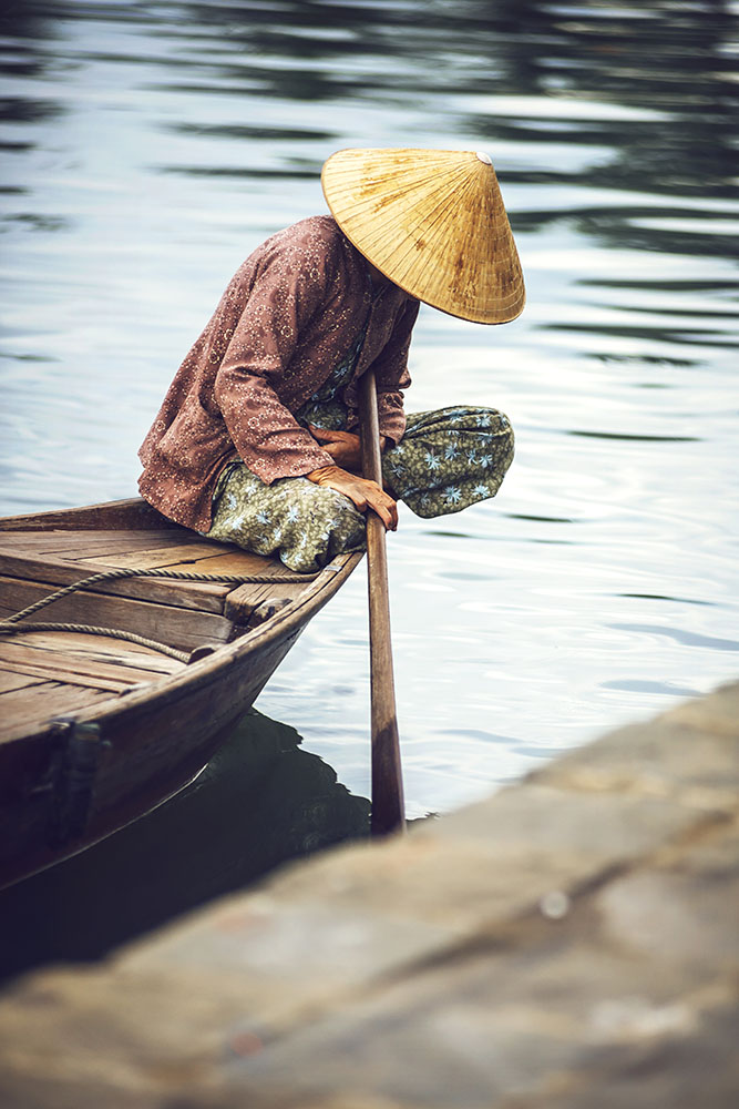 Tamcoc, ninhbinh, Vietnam - May 16, 2015: Unidentified woman on