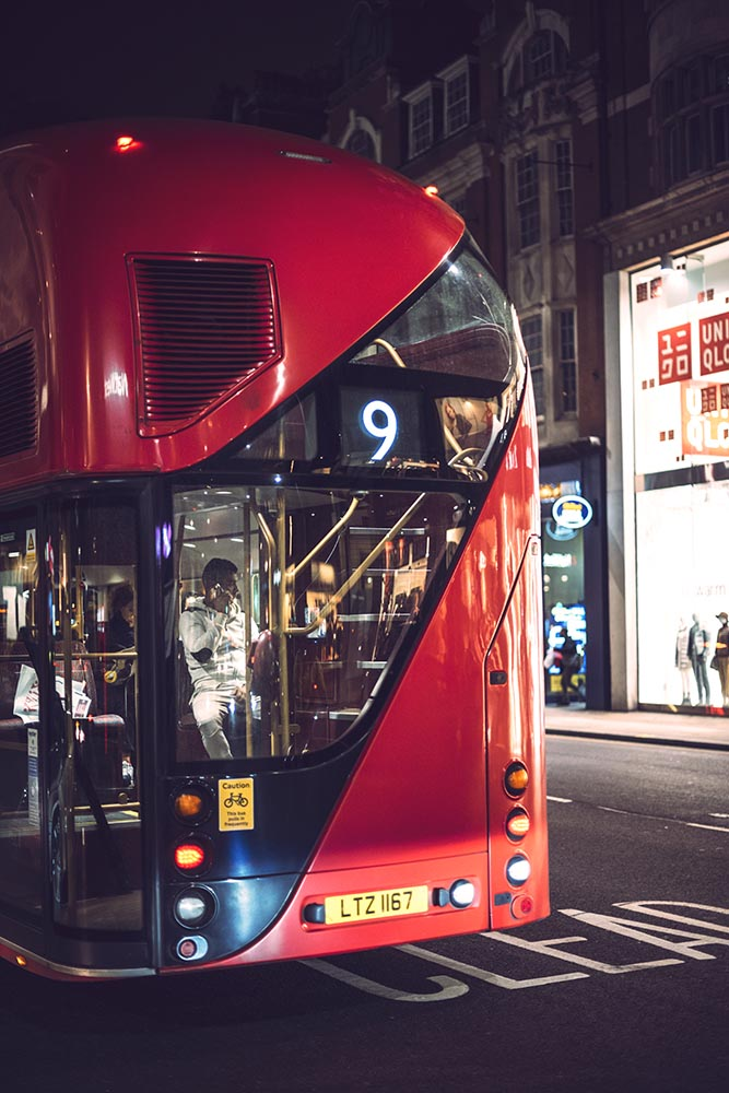 A double-decker in the night